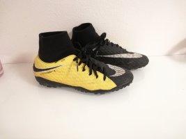 Nike Kunstrasen Schuhe in Größe 40,5
