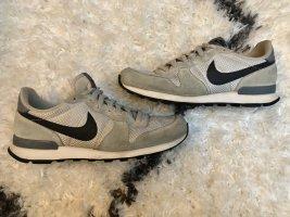 Nike MD Runner 2 Frau