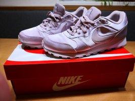 Nike MD Runner 2 Sneaker rosa Gr. 40