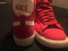 Nike Mid