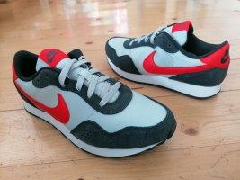 Nike neu Gr. 40 unisex