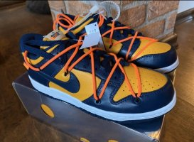 Nike Basket à lacet orange doré