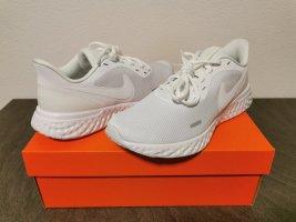Nike Revolution 5 Gr. 42.5