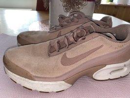 Nike rosé