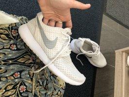 Nike Basket slip-on blanc