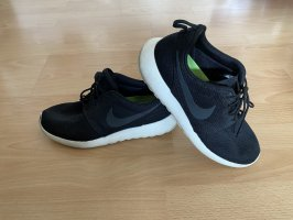 Nike Roshe Run / Größe 43