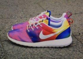 Nike Roshe Run Rainbow