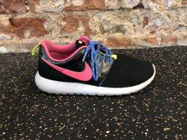 NIKE ROSHE RUN Sneakers Schuhe schwarz Pink 36,5