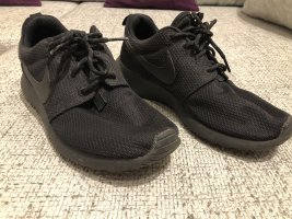 Nike Roshes schwarz
