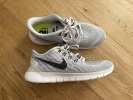 Nike Running Sneaker Gr 38,5
