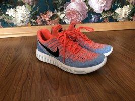Nike Running Sneaker Lunar Epic Low 2
