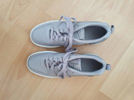Nike Schnürsneaker hellgrau-dunkelgrau Casual-Look