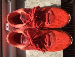 Nike Schuh in Orange