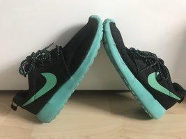 Nike Schuhe 41