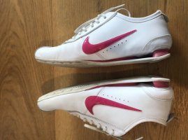 Nike Basket à lacet blanc-magenta