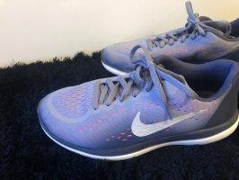 Nike Lace-Up Sneaker purple-azure