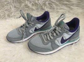 Nike Schuhe Gr.36