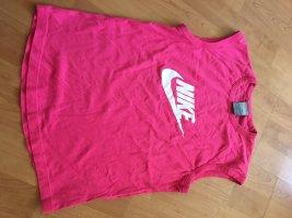 Nike Shirt in M