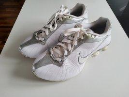 Nike Shox Medallion weiß/silber