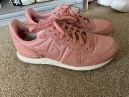 Nike Lace-Up Sneaker pink-light pink