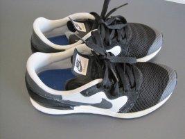 Nike Sneaker Air Berwuda Größe40