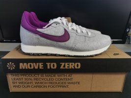 Nike Sneaker Gr. 38.5 unisex