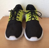 Nike Lace-Up Sneaker black-neon green mixture fibre
