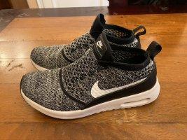 Nike Sneaker Gr. 39 schwarz/ grau/ weiß