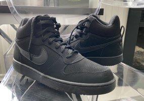 NIKE Sneaker Gr. 41 schwarz High Low