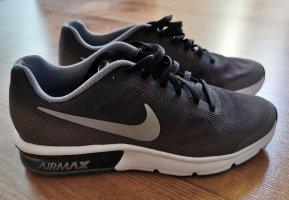 Nike Sneaker Größe 36