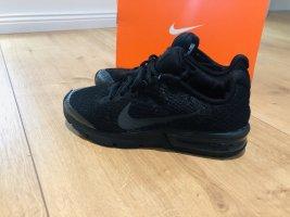 Nike Sneaker Größe 37,5