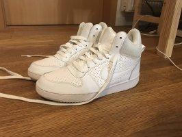 Nike Sneaker in 37,5