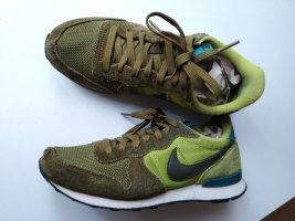 Nike Sneaker in Grün, Gr. 38.5