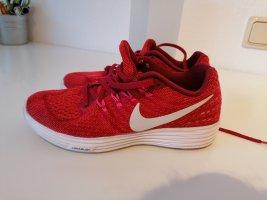 Nike Sneaker, Laufschuhe