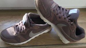 Nike Sneaker lila