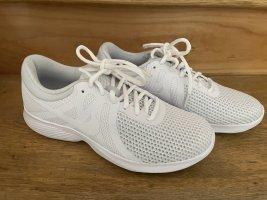 Nike Sneaker weiß neu