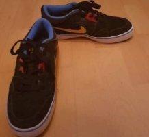 Nike Heel Sneakers black
