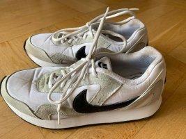 Nike Sportschuh Gr. 42 (26,5 cm)