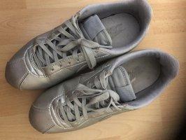 Nike Sportschuhe in Silber