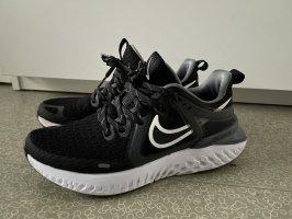 Nike Sportshuhe