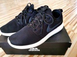 Nike Sportshuhe  schwarz