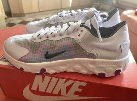 Nike Sportswear »Wmns Renew Lucent« Sneaker , Gr. 38, neu - ungetragen Farbe: Amethyst Tint/ Black-photo Blue
