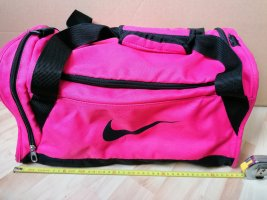 Nike Sac de sport noir-rose fluo