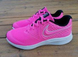 Nike Star Runner neu Gr. 38.5