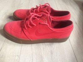 Nike Basket à lacet rouge-marron clair