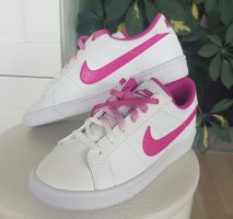 "Nike ""Tennis Classic"" in Größe 35,5 Neu Weiß/Pink"