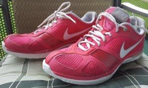 Nike Trainigsschuhe rosa