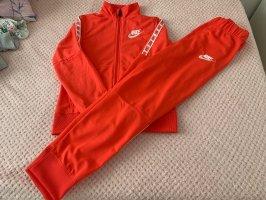 Nike Trainingsanzug Kindergröße 146-156