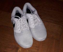 Nike Chaussures blanc