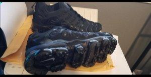 Nike Botas de tobillo negro